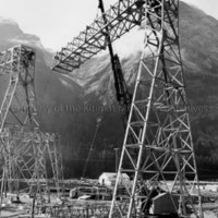 Erecting truss for transmission line tower