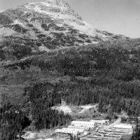 Horetzky Camp quonset hut construction