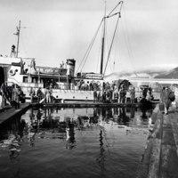 Passengers arrive at Dala Heights float camp